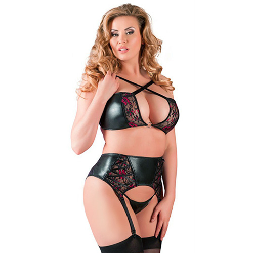 Wetlook Suspender Set With Lace